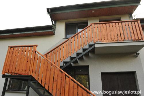 balustrada drewniana zewnętrzna józefów